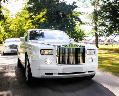 Modern Wedding Cars in Uxbridge